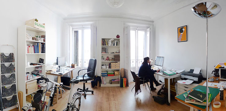 i share it with a friend graphic designer juanjo lpez we moved some weeks ago and we are still organizing everything - Graphic Design Desks